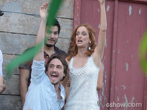 Marcelo e Pri decidem se casar também!  (Foto: Raphael Dias/TV Globo)