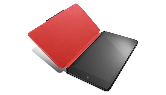 Case do ThinkPad 8 é fixado magneticamente e permite usar câmera mesmo fechado (Foto: Divulgação/Lenovo)
