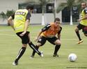 Adilson testa Figueirense com três atacantes em treino tático desta 4ª