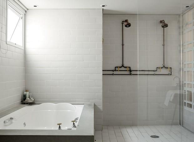 apartamento-decoracao-estudio-vitor-penha-estilo-industrial-concreto-aparente-banheiro (Foto: Edu Castello/Editora Globo)