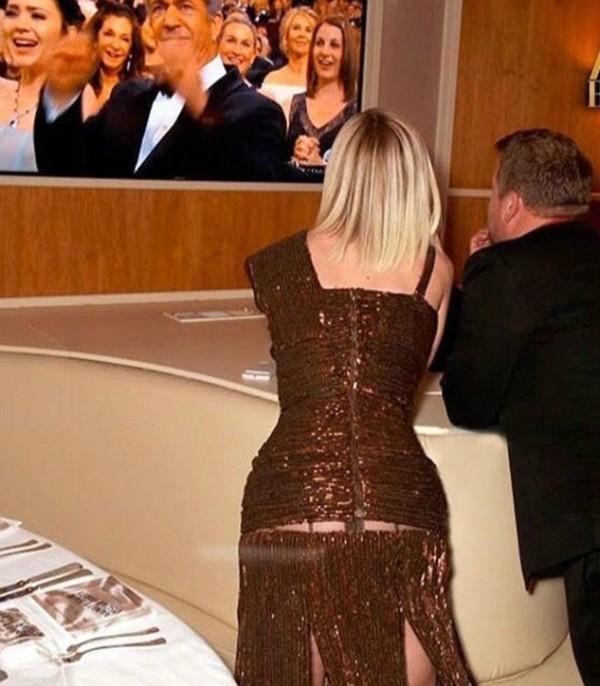 O flagrante com a calcinha de Katy Perry em exposição (Foto: Twitter)
