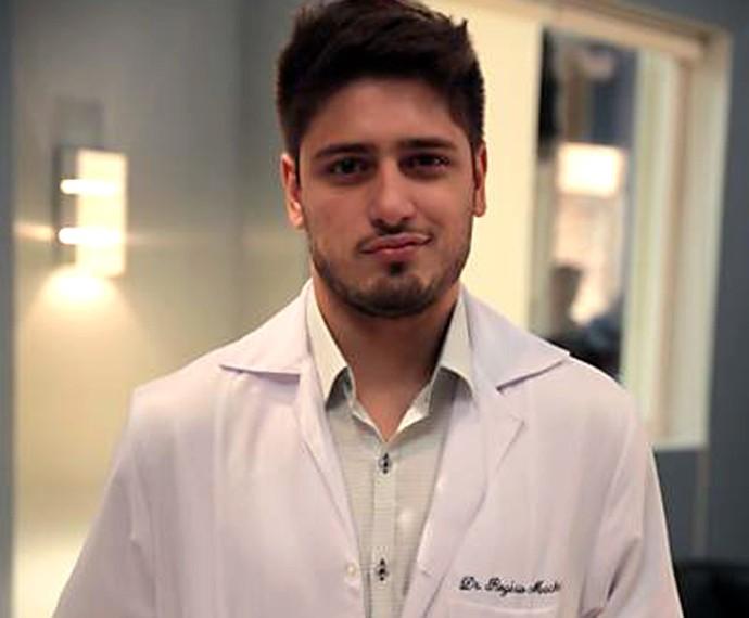 Em Amor à Vida, Daniel Rocha também abrilhantou o time de médicos gatos (Foto: TV Globo)