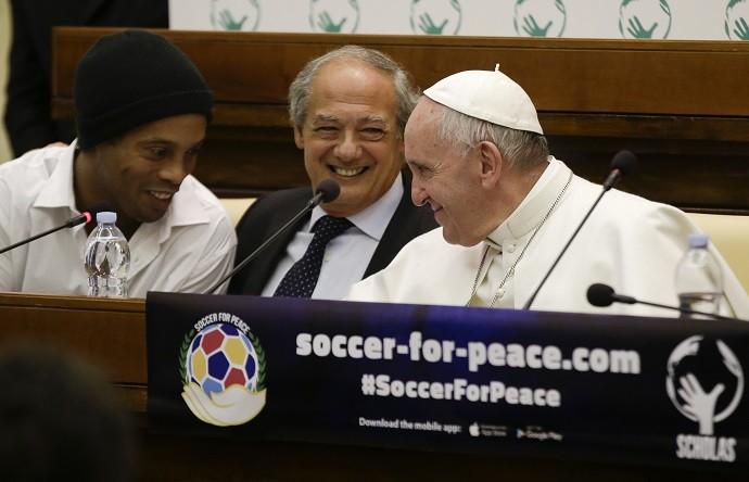 BLOG: Ronaldinho encontra o Papa no Vaticano