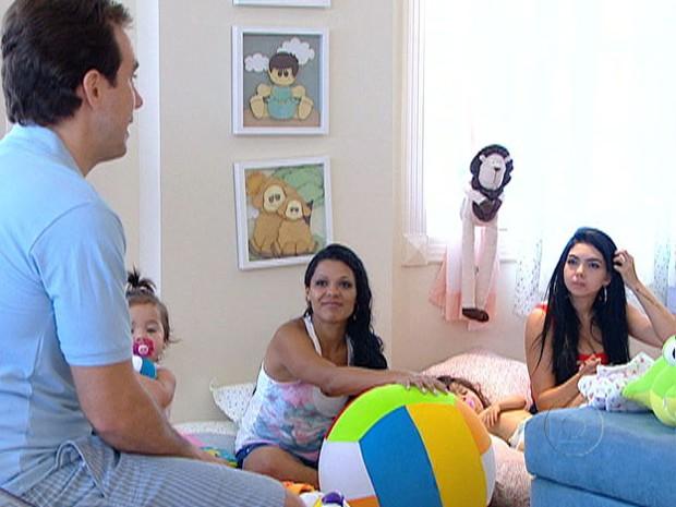 A hora da fala! Educador tira dúvidas das mães no 'Game de Bebês' (Foto: Mais Você / TV Globo)