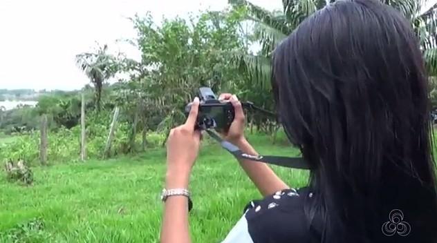 Jovens de Iranduba participam do curso de fotografia no Show das Águas (Foto: Bom Dia Amazônia)