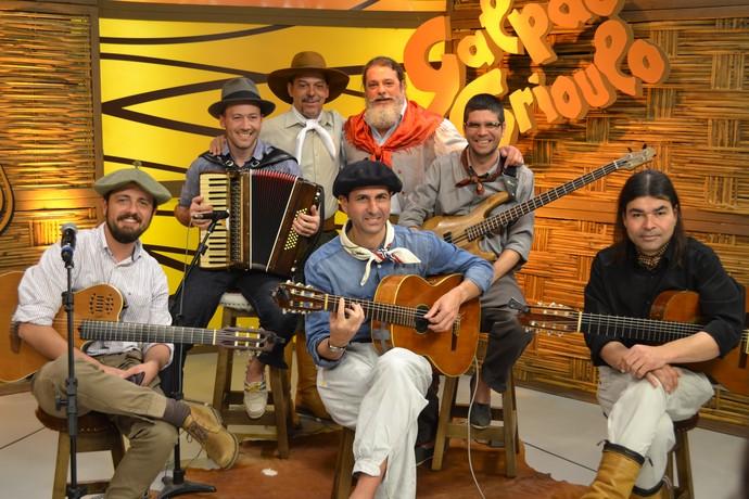 Luiz Marenco veio com toda sua banda para participar do Galpão Crioulo.  (Foto: Nice Sordi/RBS TV)
