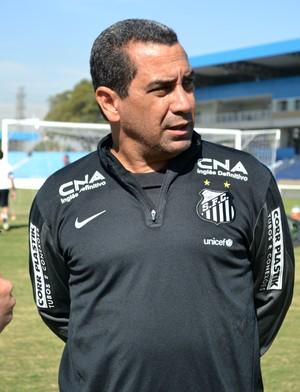 Gerente de futebol Zinho Santos (Foto: Thiago Fadini/GloboEsporte.com)