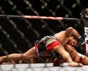 Gegard Mousasi finaliza Mark Muñoz no primeiro round no UFC em Berlim