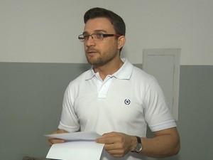 Padre pede que criminoso seja generoso e devolva objetos (Foto: Reprodução/TV Paraíba)