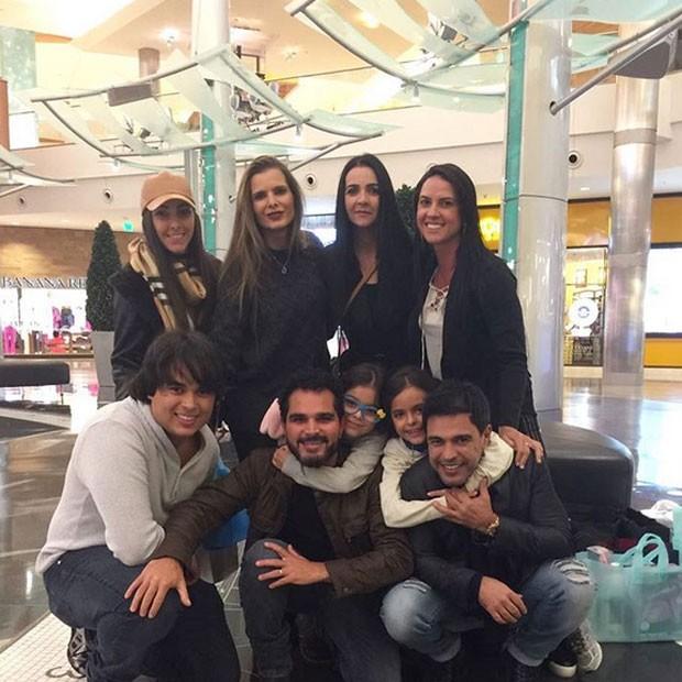 Família Camargo em Orlando, nos Estados Unidos (Foto: Instagram/ Reprodução)