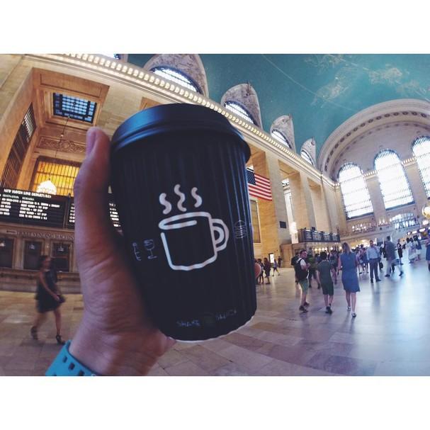 Shake Shack serve café da manhã em estações de trem e aeroportos  (Foto: Reprodução/ Instagram)