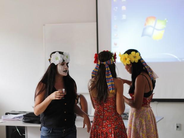 Índios professores irão atuar nas comunidades (Foto: Secretaria Estadual da Educação/Divulgação)