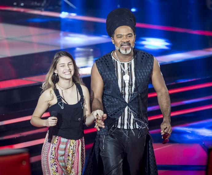 Denise Salvi é só sorrisos ao lado de Carlinhos Brown (Foto: Isabella Pinheiro/Gshow)