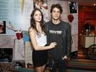 Laura Neiva e Chay Suede não são mais namorados, diz assessoria
