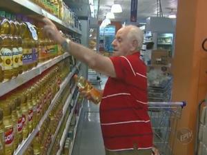 Aumento no preço dos alimentos é de 8% nos últimos 12 meses (Foto: Reprodução/EPTV)