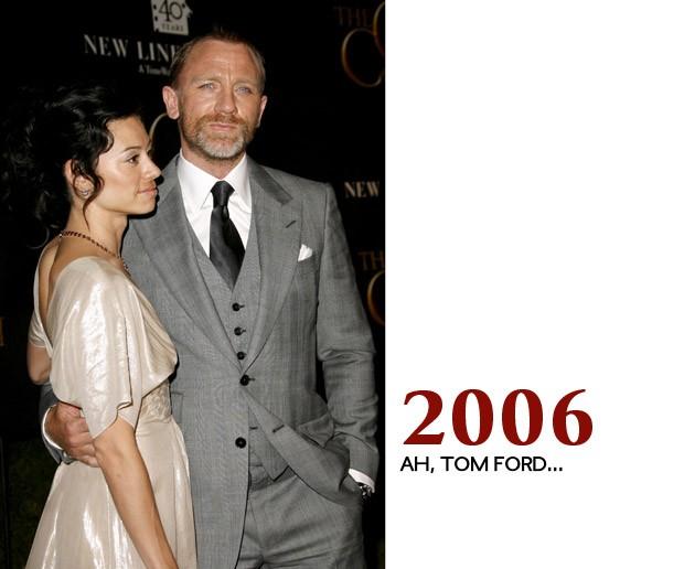 Perto dessa época Craig conheceu os ternos super bem cortados de Tom Ford. Os dois começaram uma simpática relação que acabou se estendendo para a franquia Bond (Foto: GQ)