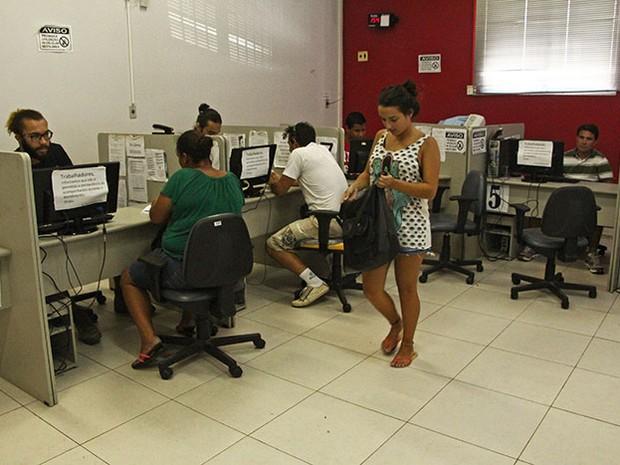 Candidato deve levar carteira de trabalho e CPF ao posto do Sine (Foto:  Secretaria de Estado da Assistência Social, Trabalho e Habitação/Divulgação)