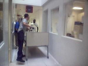 Camas foram levadas após vencimento de aluguel (Foto: Arquivo pessoal)