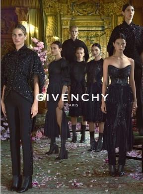 Isis Batalgia na campanha da Givenchy (Foto: Divulgação)