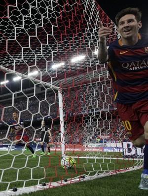 Neymar e Messi rede bola gol Barcelona