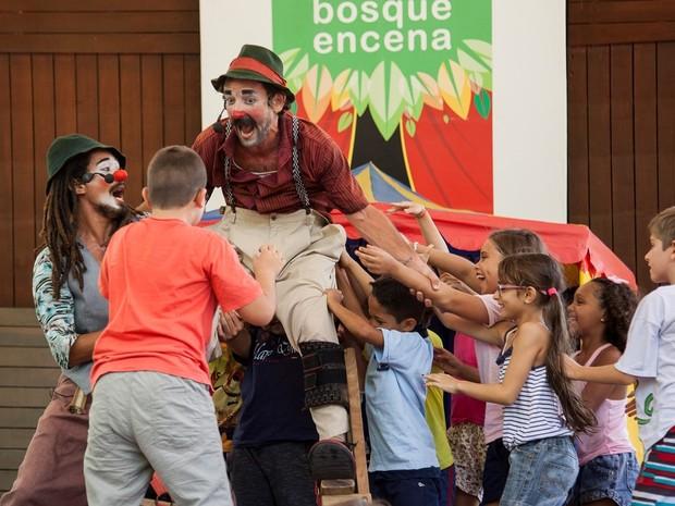 Tropa Trupe se apresenta no Bosque Encena (Foto: Tiago Lima)