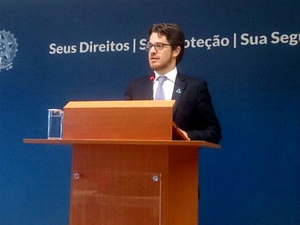 O secretário nacional de Justiça, Beto Vasconcelos, durante apresentação dos dados sobre tráfico de pessoas no Brasil (Foto: Mateus Rodrigues/G1)