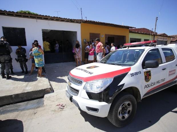 Polícia Militar foi acionada para atender a ocorrência  (Foto: Jonathan Lins/G1)