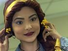 Voluntárias criam toucas e perucas de princesas para crianças com câncer