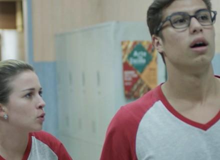 Filipe fala mal de Nanda e ela escuta