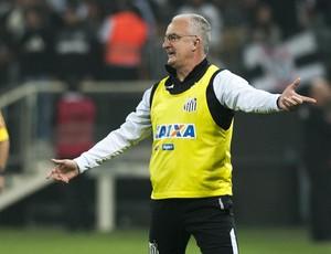 Dorival Jr. no clássico contra o Corinthians