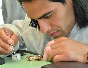 15e01d93a04 Falcao García terá relógios de luxo com seu nome vendidos a R  83 ...