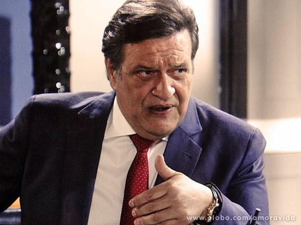 Atílio usa a razão e deixa o coração de lado (Foto: Amor à Vida/TV Globo)