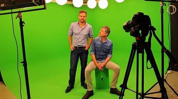 Nelsinho Botega (E) e Vitor Knijnik: após crias canais para o YouTube, sócios da Snack no lançamento de um longa-metragem (Foto: Sergio Castro - Estadão)