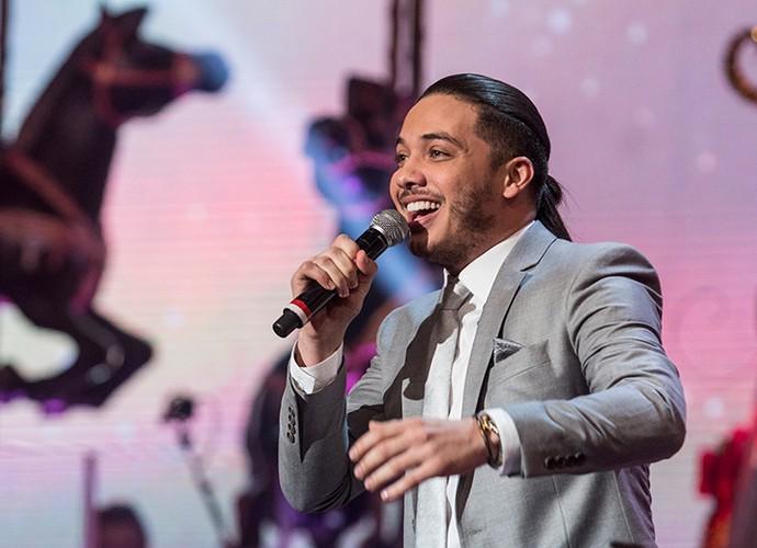 Wesley Safadão fez um dueto com Tiago Abravanel no especial de Natal (Foto: Paulo Belote/Globo)