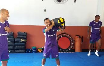 Com elenco na academia, atacante Fernandinho volta aos treinos no Leão