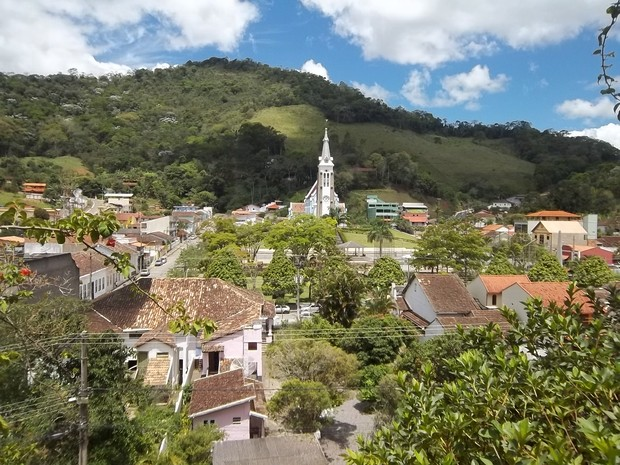 Vista aérea do centro de Santa Maria Madalena,RJ, terra natal de Dercy Gonçalves (Foto: Paulo Filgueiras)