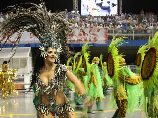 A Unidos do Peruche encerra o desfile com tempo de 54 minutos (Foto: Ardilhes Moreira/G1)