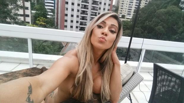 Verônica Araújo posa para a Sexy (Foto: CO ASSESSORIA/ DIvulgação)