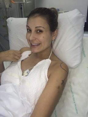Andressa Urach durante internação no hospital Conceição, em Porto Alegre (Foto: Grosby Group/ Agência)