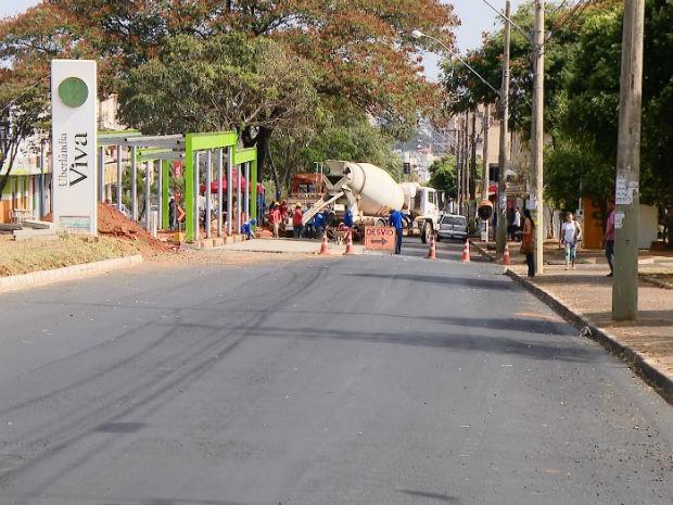 Obras corredor de ônibus Uberlândia (Foto: Reprodução/TV Integração)