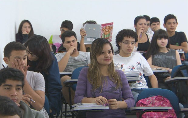 Candidatos se preparam para o Enem (Foto: Reprodução/TV Amapá)