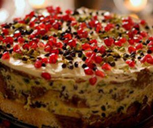 Bolo de Natal da Nigella é feito com panetone e gotinhas de chocolate