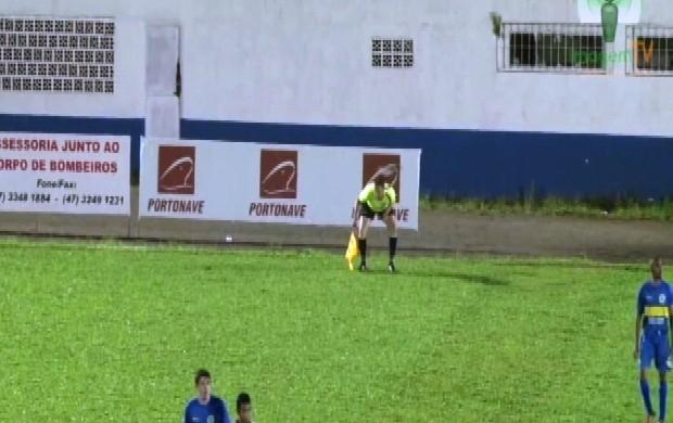 Ataque quero-quero Navegantes x Inter de Lages (Foto: Reprodução/Imagem TV)