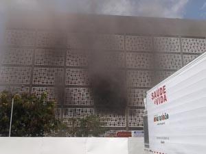 Incêndio Carlos Macieira (Foto: Zeca Soares/G1)