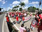 Movimentos sociais fazem protesto contra impeachment no Recife