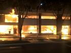 Incêndio atinge loja Ponto de Luz durante a noite em Linhares, no ES