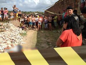 Filha da vítima, que estava sendo levada para creche, flagrou mãe sendo assassinada, segundo a polícia (Foto: Walter Paparazzo/G1)