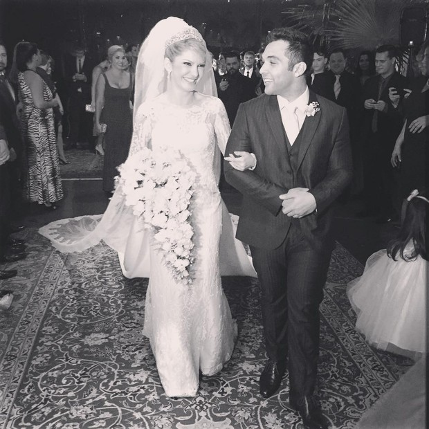Antônia Fontenelle e Jonathan em casamento (Foto: Reprodução/Instagram)
