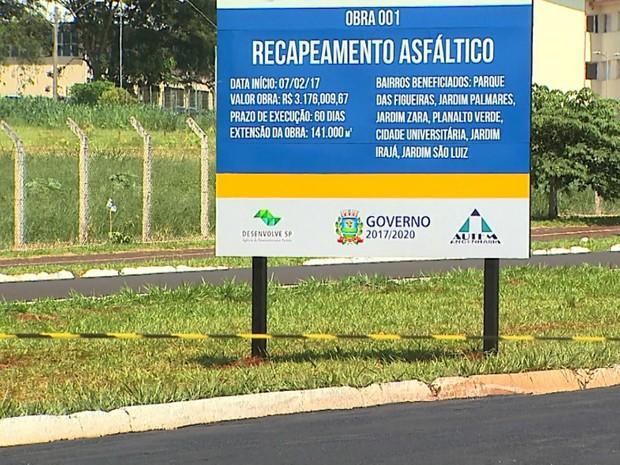 Prefeitura de Ribeirão Preto iniciou nesta terça-feira (7) obras de recapeamento de ruas e avenidas (Foto: Paulo Souza/EPTV)