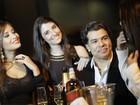 Maurício Mattar grava clipe cercado de mulheres
